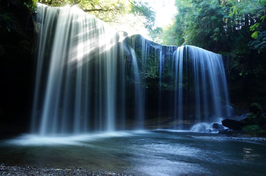 24 すっかり有名になってしまった鍋ヶ滝.JPG