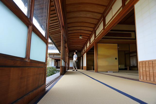 大広間の廊下.JPG