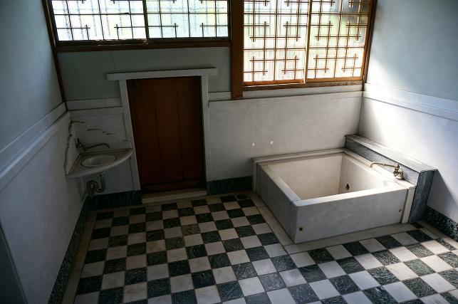 焼けばコンクリートの風呂.JPG